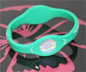 Power Balance Armband grün mit weisser Schrift