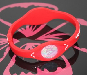 Power Balance Armband rot mit weisser Schrift