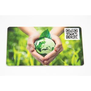 Plastikkarten mit Barcode oder QR Code